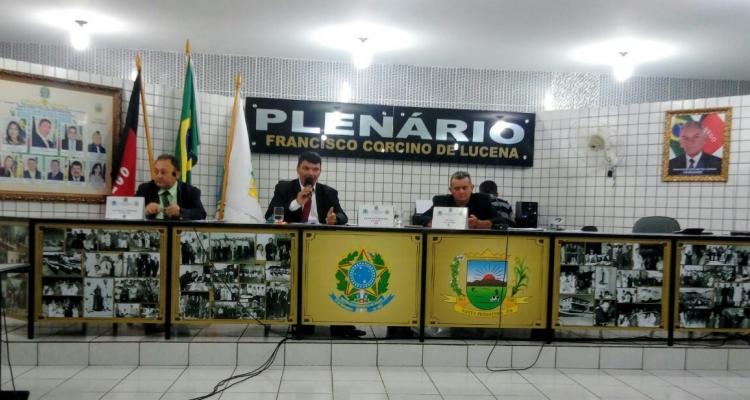 Câmara municipal de Santa Teresinha da sequência aos trabalhos legislativos