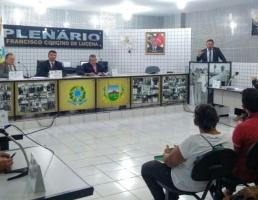 Denúncias de perseguição a servidores marcam debates na Câmara Municipal de Santa Terezinha