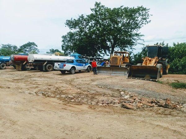 Pipeiros do Açude do Cego agradecem recuperação de estrada pelo governo do estado e denunciam negligência da prefeitura