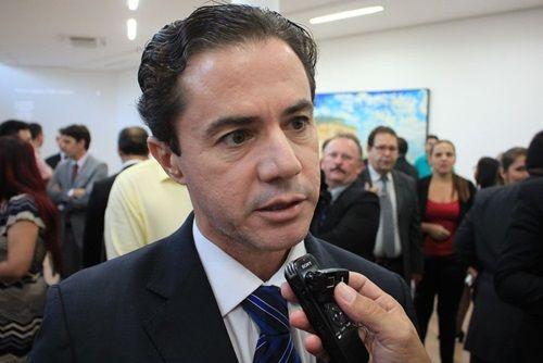 Senador volta a atacar gestão de Romero em Campina Grande
