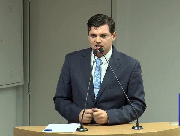 Projeto de Taciano Diniz que dá estacionamento grátis em shoppings da Paraíba é aprovado na ALPB
