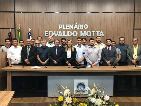 Câmara de Patos debate regulamentação dos aplicativos de mobilidade urbana durante Audiência Pública
