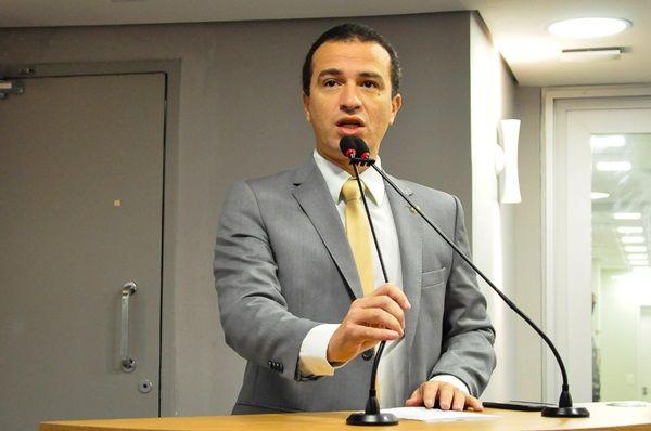 Na tribuna da ALPB, Dr. Érico lamenta que São João de Patos não seja realizado