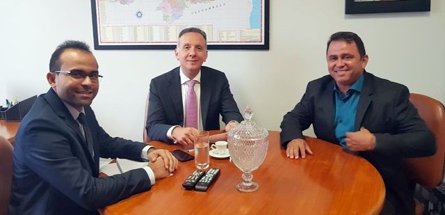 Prefeito de São José de Espinharas pede auxílio a deputado para que 14ª Vara Federal de Patos não seja transferida