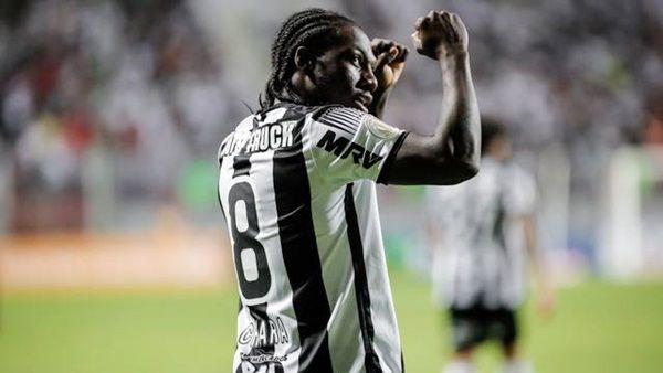 Atlético-MG segura a pressão e vence o Flamengo