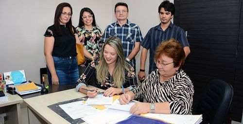 Contrapartida entre UniFIP e Complexo Hospitalar de Patos resulta em doação de poltronas para acompanhantes de pacientes internos