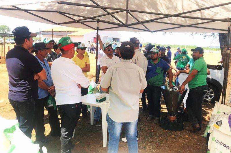 """Primeiro """"Leite Show"""" reúne produtores de todo o Vale do Piancó, em Itaporanga. Fotos!"""