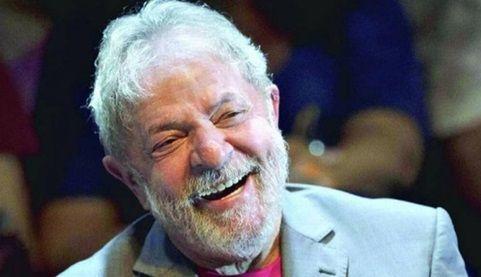 Lula revela estar apaixonado e ter planos de se casar ao sair da prisão