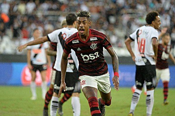 Flamengo vence o Vasco por 2 a 0 no primeiro jogo da final do Carioca