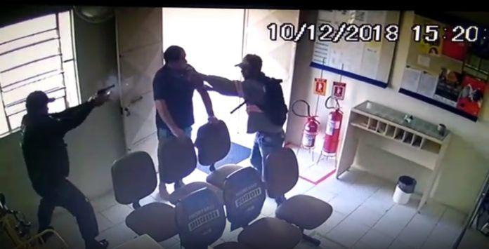 Vigilante é baleado em tentativa de assalto aos Correios