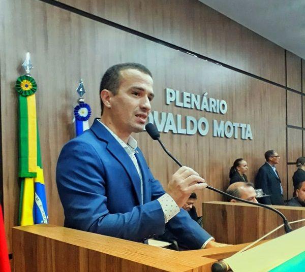 Dr. Érico apresenta Projeto de Lei que beneficia trabalhadores de enfermagem