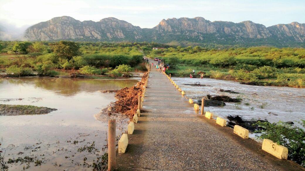 Exclusivo: chove 150 mm em Catingueira; Açude do Cego toma grande volume de água. Veja fotos e vídeo