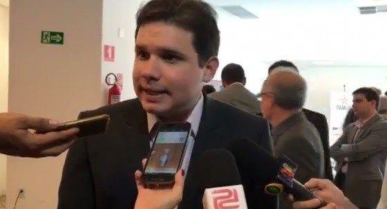 Hugo Motta consegue caminhões para o Programa de Aquisição de Alimentos de três cidades