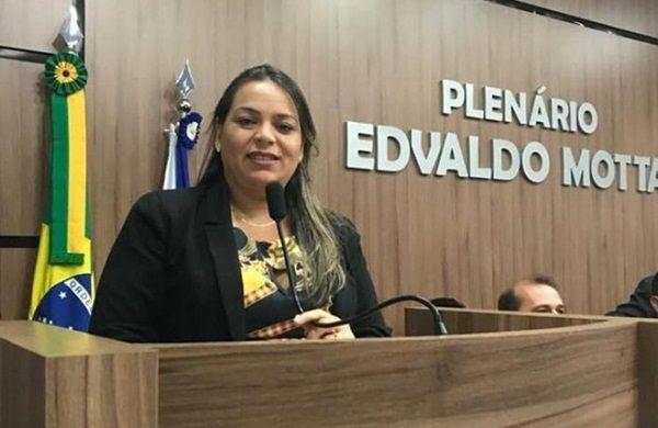 Entrevista: Vereadora Nadir Rodrigues fala sobre declaração de Dr. Ivanes, crítica de Nabor ao prefeito de Patos, processo contra Bonifácio e mudança de partido