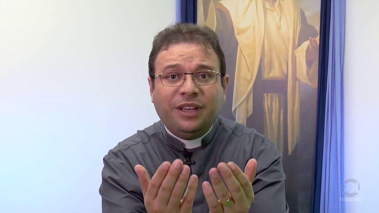 """""""Natal é tempo de esvaziamento de si e preenchimento da graça de Deus"""", diz Padre Fabrício; veja vídeo"""