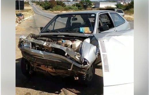 Grave acidente deixa dois feridos na manhã desta quarta (17) na BR-230 em Patos