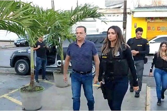 PAPELÃO:Prefeito que convocou comissionados para show da noiva é preso em Pernambuco