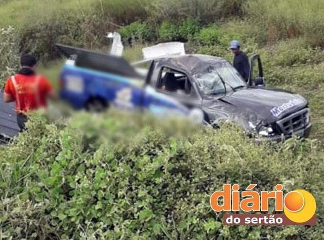 No Alto Sertão: Carro de funerária se envolve em grave acidente e deixa duas pessoas feridas