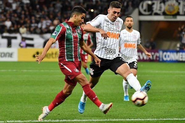 Corinthians decepciona e fica no empate com Fluminense, em Itaquera