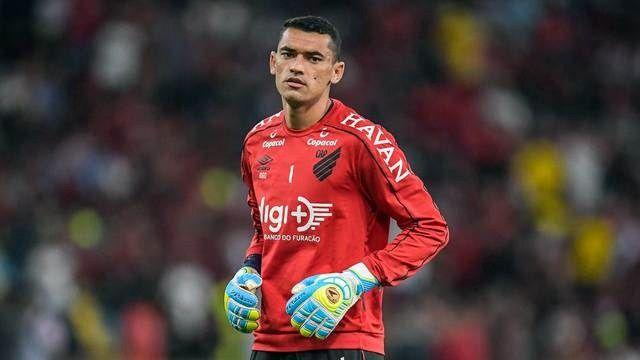 Cheirinho: deu Furacão! Santos pega dois pênaltis, e Atlético-PR elimina o Flamengo