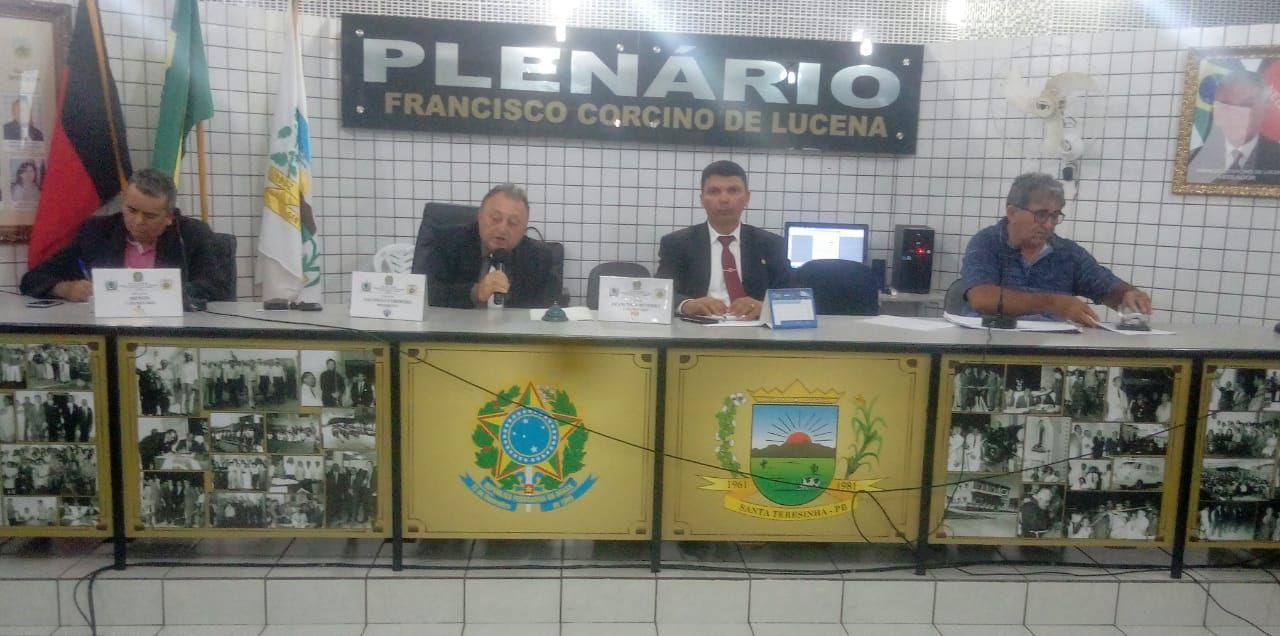 Câmara municipal de Santa Terezinha-PB tem sessão agitada com debates acalorados