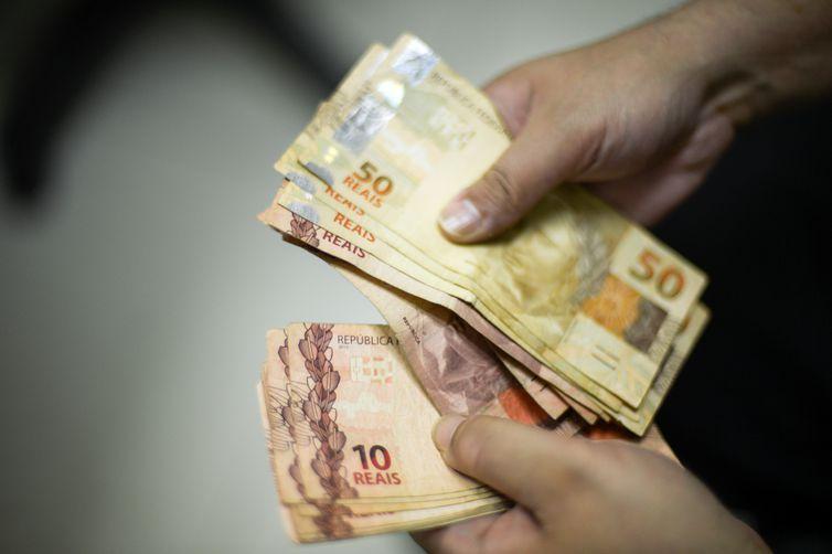 Governo aumenta previsão para salário mínimo em 2019; Veja o novo valor