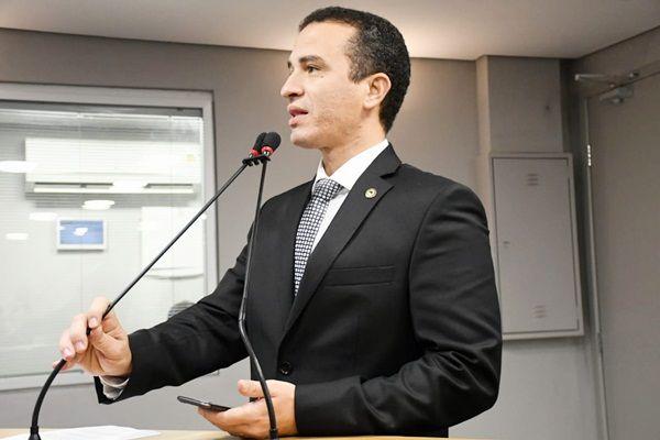 Dr. Érico cobra solução para morte de empresário e quer intermediar diálogo entre PM e governo