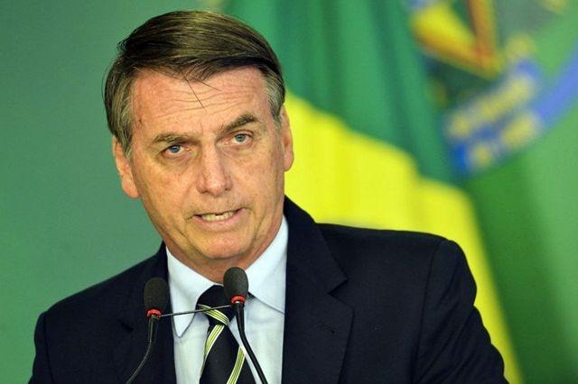 """FALTA DE EDUCAÇÃO: Bolsonaro chama manifestantes em prol da educação de """"idiotas úteis"""""""