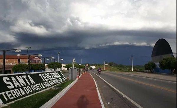 Chove quase 30 mm no dia de São José, em Santa Terezinha-PB