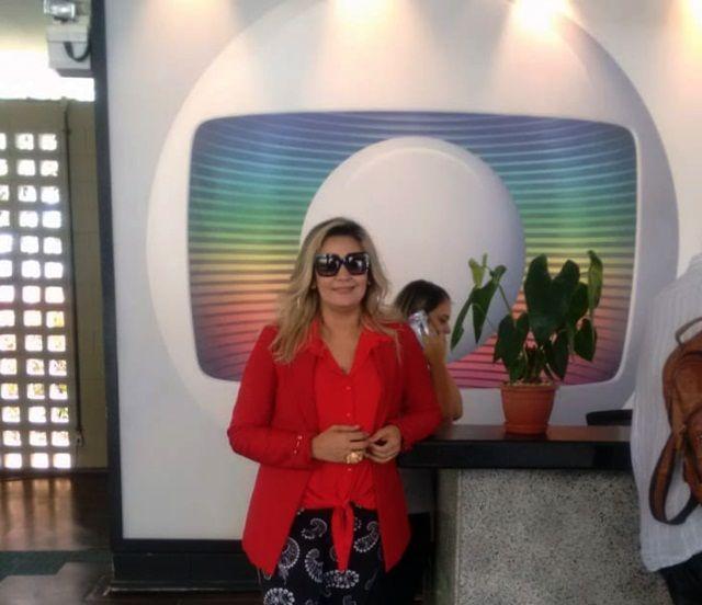 Colunista social, Soliandra Alves, filha de Santa Terezinha-PB, participa de programas da Rede Globo ;veja fotos