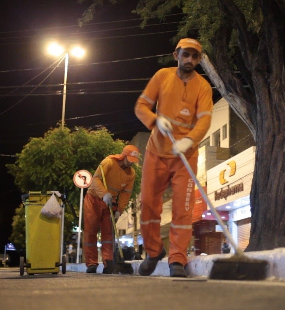 Prefeitura de Patos e Conserv fecham acordo e serviços de limpeza voltarão ao normal nesta terça-feira, (13)