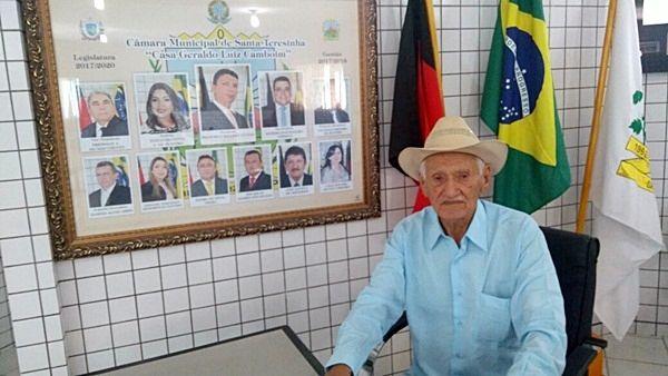 Ex-prefeito de Santa Terezinha-PB, Silvino Corcino é homenageado por poeta e aboiador Amanso Sobrinho; veja vídeo