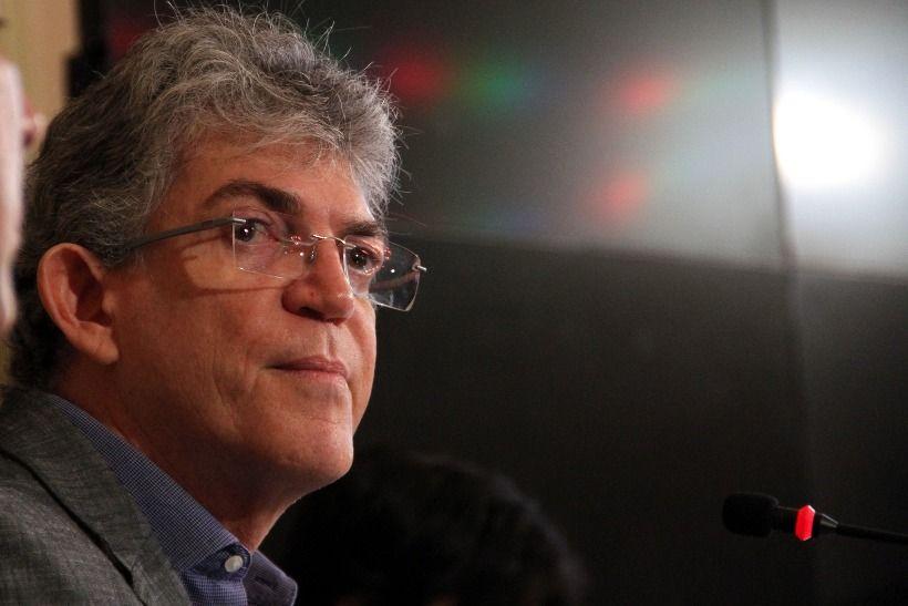 Jornalista Nilvan Ferreira diz que Ricardo Coutinho não tem mais poder de perseguir jornalistas.;escute