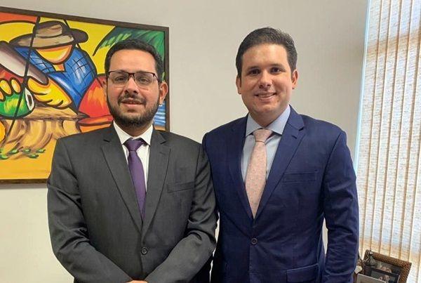 Hugo Motta é contra a privatização da Cagepa