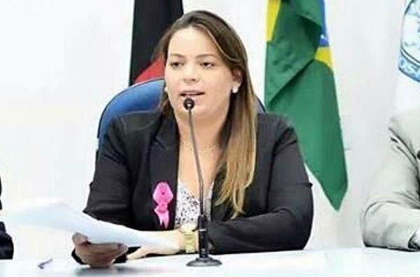 Nadir Rodrigues é premiada com maior honraria da enfermagem brasileira