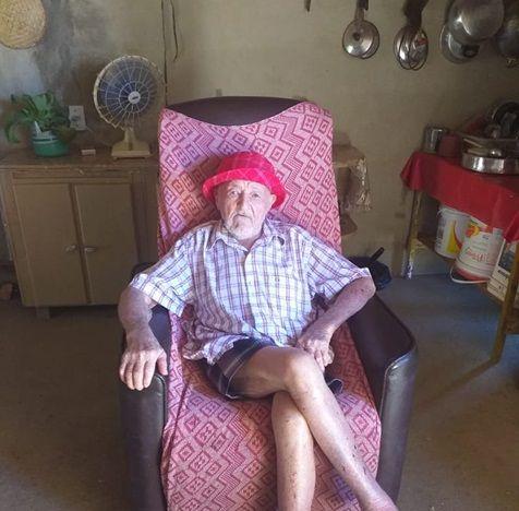 Seu Deca de Santa Terezinha-PB comemora 101 anos, junto da família