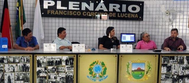 Prefeita de Santa Terezinha faz prestação de contas na Câmara de Vereadores referentes ao ano de 2017