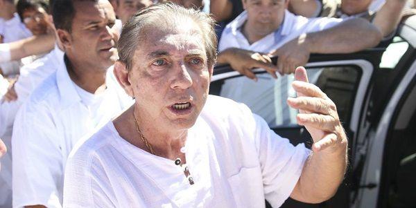 João de Deus, acusado de abusos sexuais, se entrega à polícia em Goiás