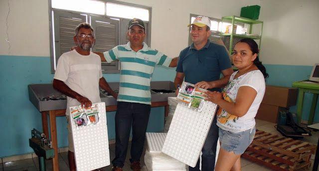Secretaria de Agricultura de Coronel Ezequiel iniciou a distribuição de sementes nesta Sexta feira 7