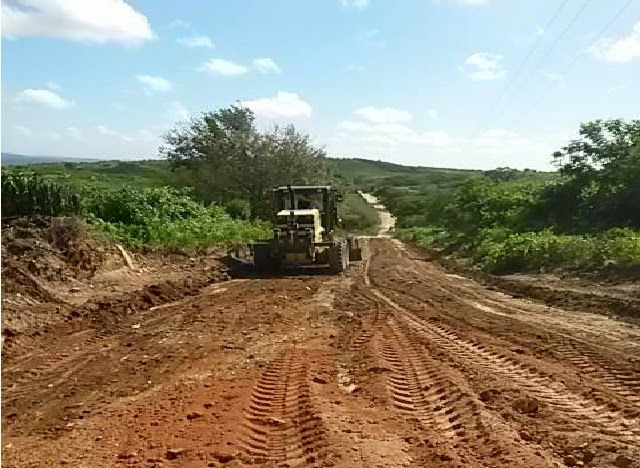 Prefeitura de CORONEL EZEQUIEL investe na recuperação de estradas