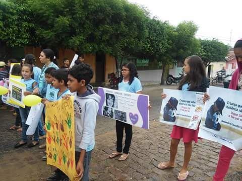 MOBILIZAÇÃO PELAS RUAS DE CORONEL EZEQUIEL, CONTRA VIOLAÇÃO DOS DIREITOS SEXUAIS DAS CRIANÇAS E ADOLESCENTE