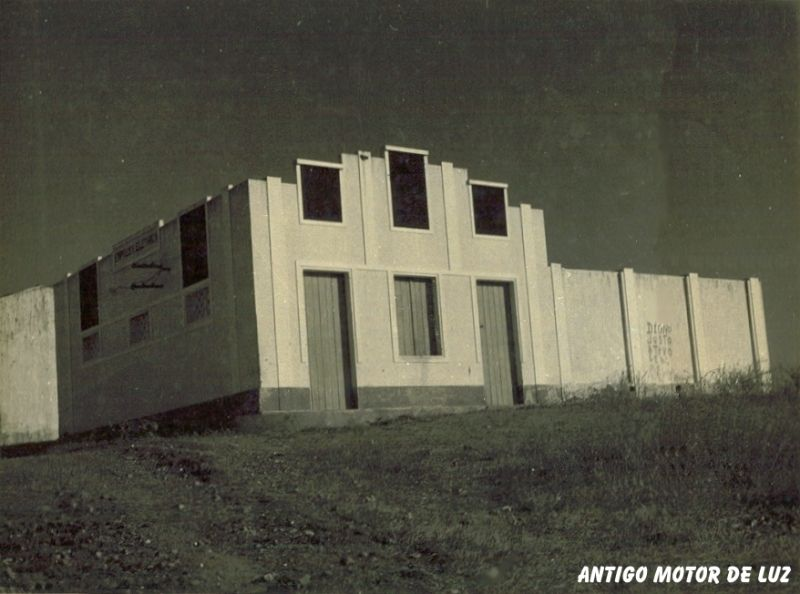 Antigo Motor de Luz.jpg