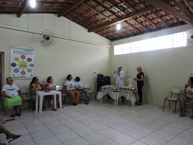 Nutricionista do NASF ensina Sal de Ervas para Idosos do Serviço de Convivência e Fortalecimento de Vínculos