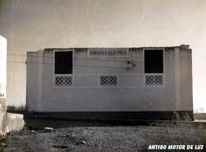 Antigo Motor de Luz - Lado.jpg