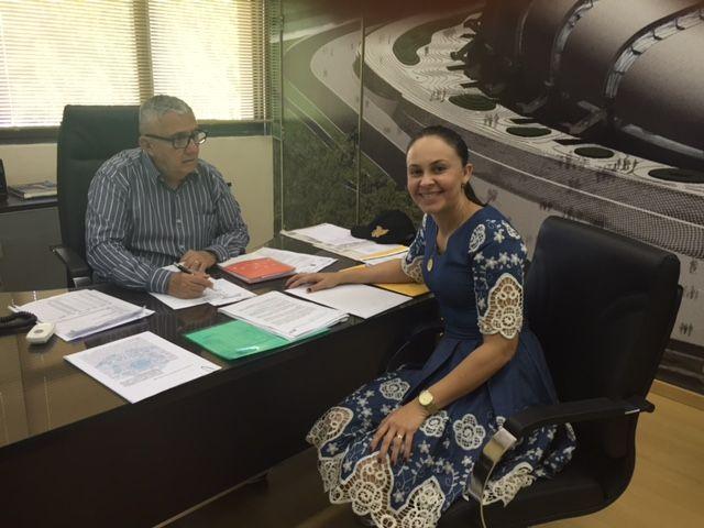 Prefeita se reune com Superintendente do DER e reitera solicitações sobre melhorias da Rod. RN 089 e Av. Manoel Correia.