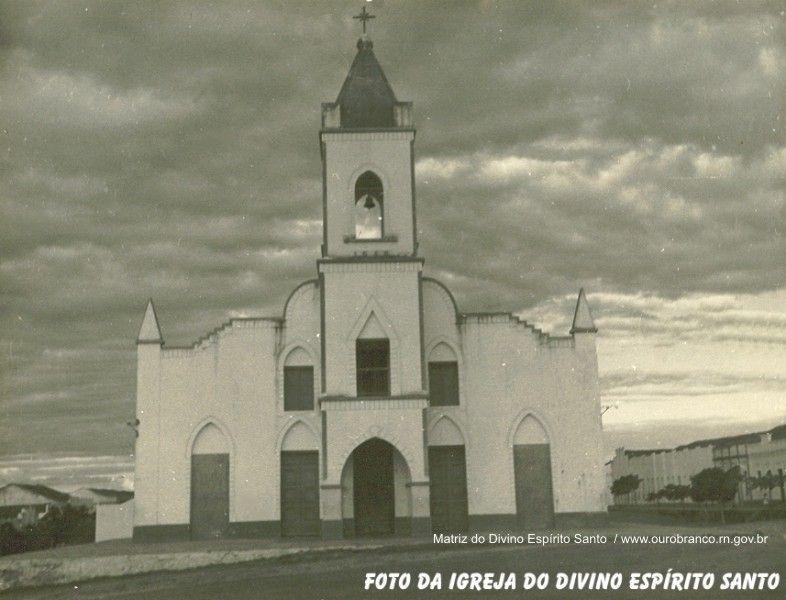 Igreja do Divino Espírito Santo.jpg