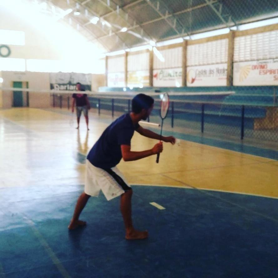 Profissional do NASF implanta Badminton em Ouro Branco