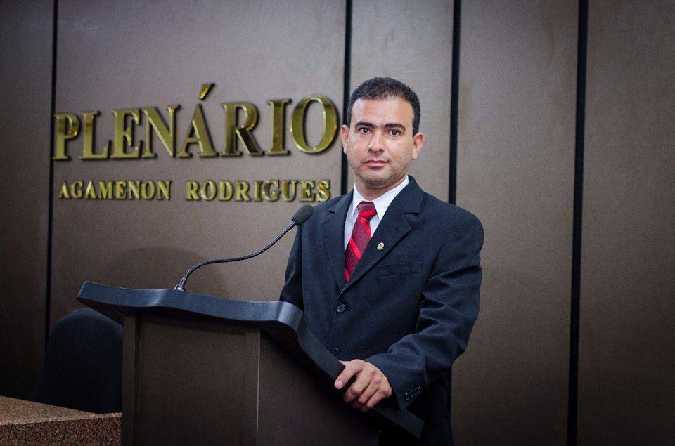 Vereador Valone Dias confirma que é pré-candidato a prefeito de Teixeira. Escute;