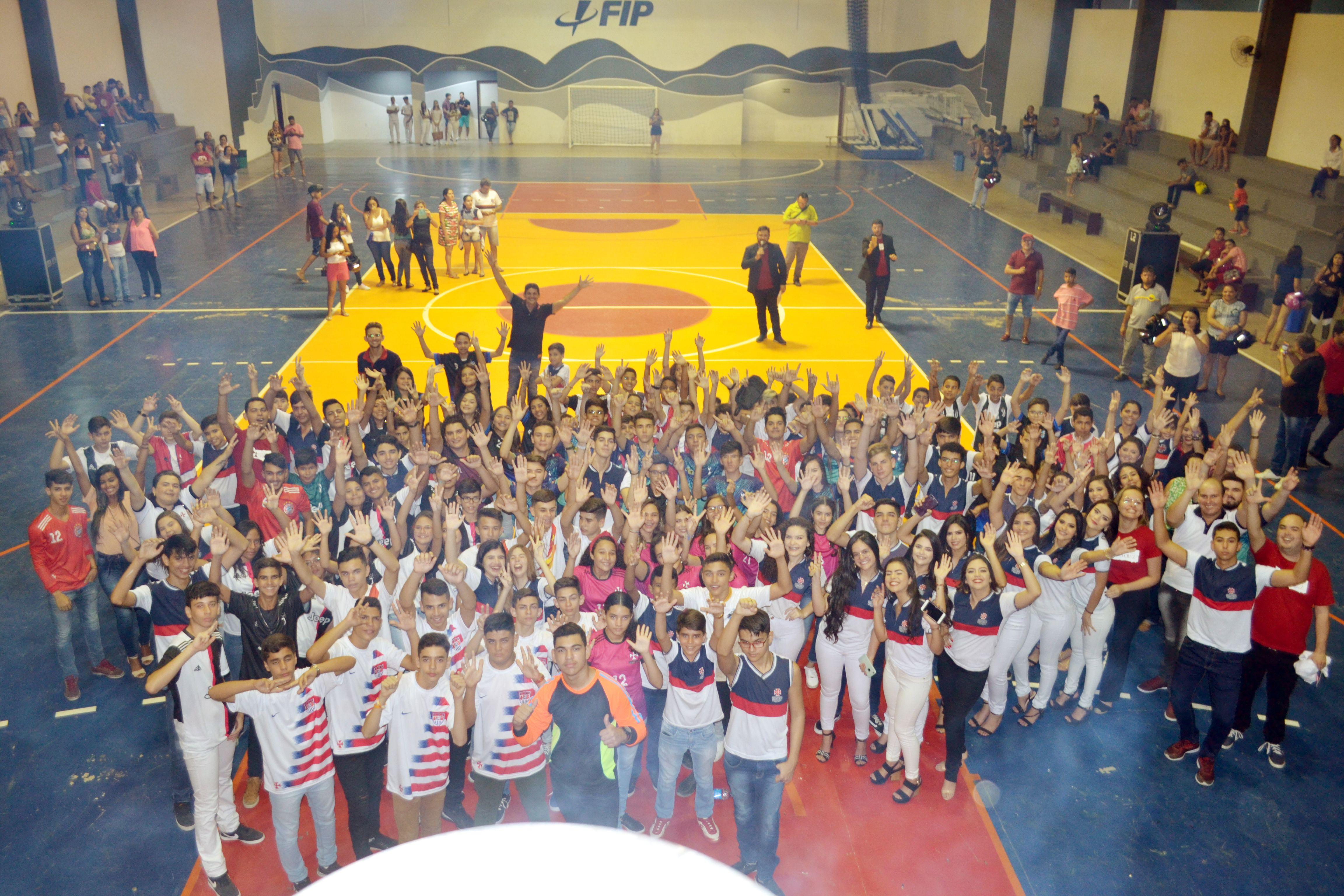 Em grande estilo:  Instituto Educacional Vera Cruz abre os jogos internos 2019 e chama atenção pela grandiosidade